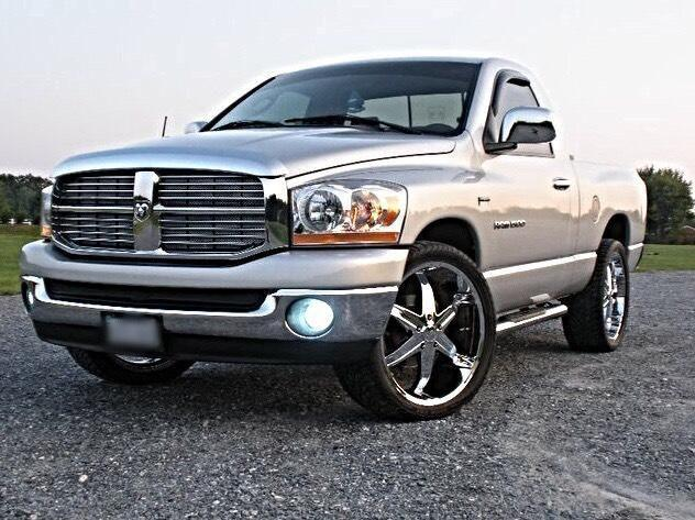 2006 dodge ram slt 1500 for sale in lynchburg virginia classified. Black Bedroom Furniture Sets. Home Design Ideas