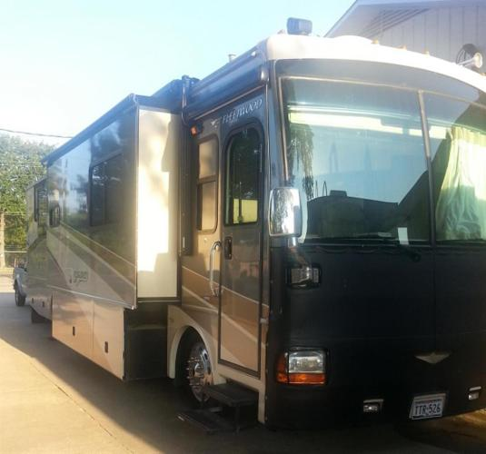 2006 fleetwood discovery for sale in longview texas classified. Black Bedroom Furniture Sets. Home Design Ideas