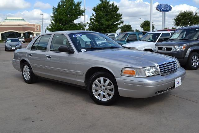 2006 ford crown victoria 4d sedan lx for sale in fort worth texas classified. Black Bedroom Furniture Sets. Home Design Ideas