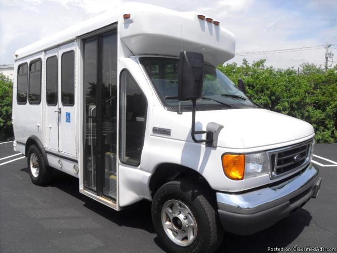 2006 Ford E 350 Wheelchair Mini Shuttle Bus Non Cdl For