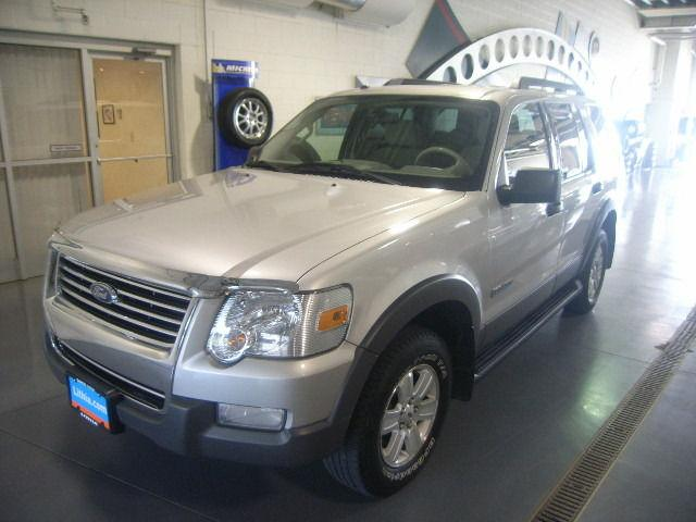 2006 ford explorer xlt for sale in hiawatha iowa classified. Black Bedroom Furniture Sets. Home Design Ideas