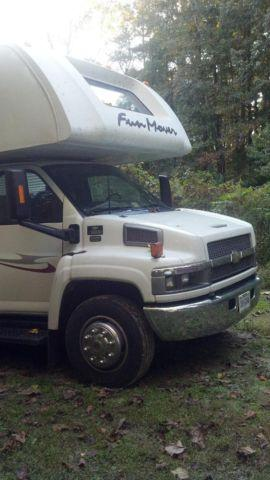 2006 Four Winds Fun Mover Model 34C, 36-Foot