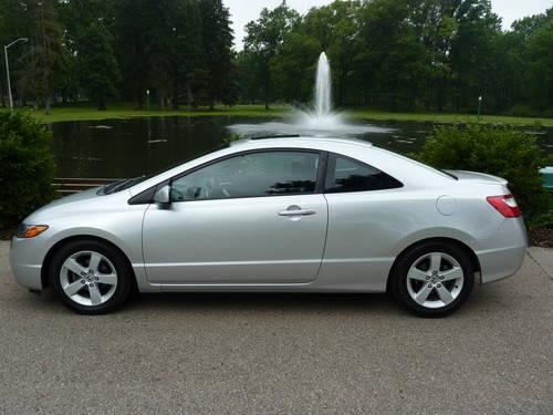 2006 honda civic ex coupe excellent condition mileage 24 700 for sale in grove city. Black Bedroom Furniture Sets. Home Design Ideas