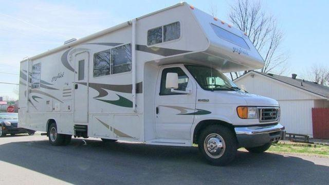2006 jayco greyhawk 29gs used class c motorhome louisville ky for sale in louisville kentucky. Black Bedroom Furniture Sets. Home Design Ideas