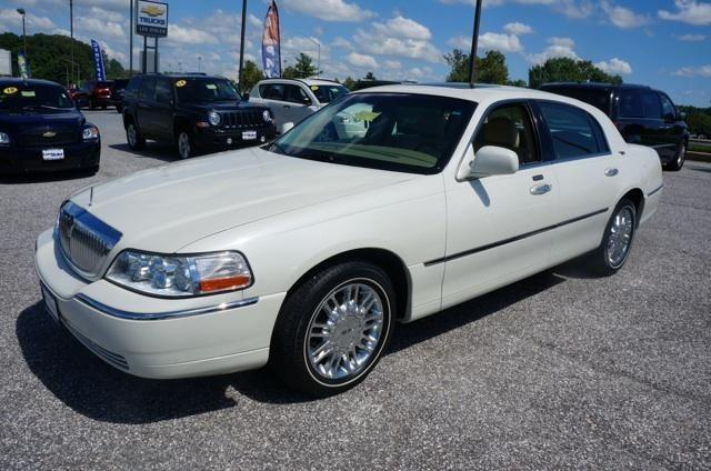 2006 lincoln town car 4dr car signature limited for sale in carrollton maryland classified. Black Bedroom Furniture Sets. Home Design Ideas