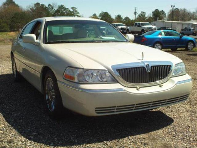 2006 lincoln town car signature limited for sale in tallassee alabama classified. Black Bedroom Furniture Sets. Home Design Ideas