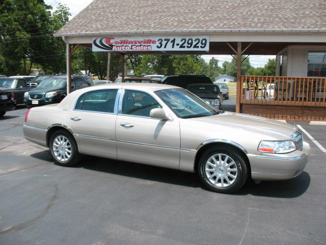 2006 lincoln town car signature for sale in collinsville oklahoma classified. Black Bedroom Furniture Sets. Home Design Ideas