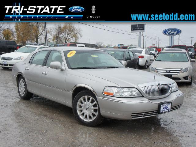 2006 lincoln town car signature for sale in maryville missouri classified. Black Bedroom Furniture Sets. Home Design Ideas