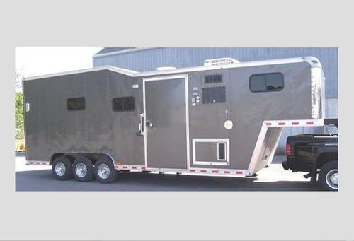 2006 Pace American 32' RV/Toy and Horse Hauler