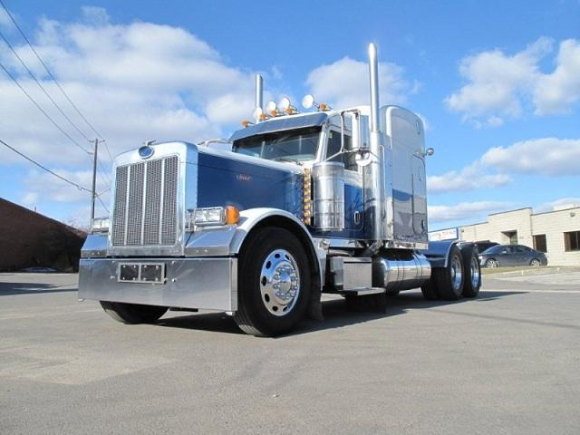 2006 PETERBILT 379 White/Blue
