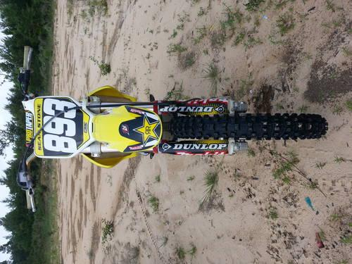 2006 Suzuki RMZ-250 Dirt bike + Extras **NO TRADES**