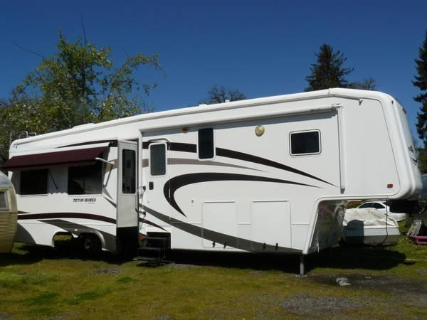 2006 Teton Liberty Experience 36L Like New There is No