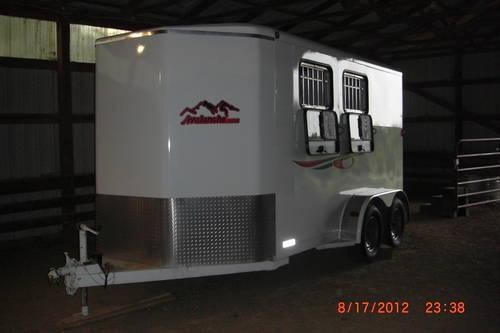 2006 Titan Avalanche Horse Trailer For Sale In Omaha Nebraska Classified Americanlisted Com