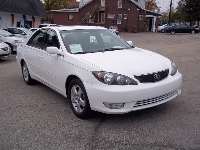 2006 toyota camry se for sale in louisville kentucky. Black Bedroom Furniture Sets. Home Design Ideas