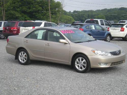 2006 toyota camry xle gold fwd 4cyl auto moonroof for sale in butler pennsylvania classified. Black Bedroom Furniture Sets. Home Design Ideas