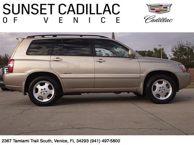 2006 Toyota Highlander Base 4dr SUV V6 w/3rd Row