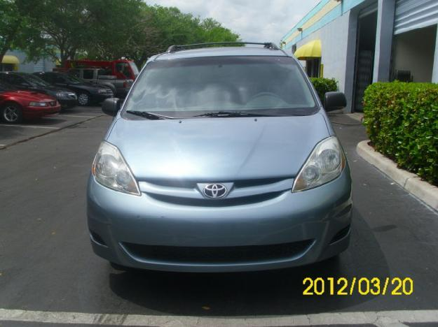 2006 toyota sienna le 7 passenger fwd for sale in davie florida classified. Black Bedroom Furniture Sets. Home Design Ideas