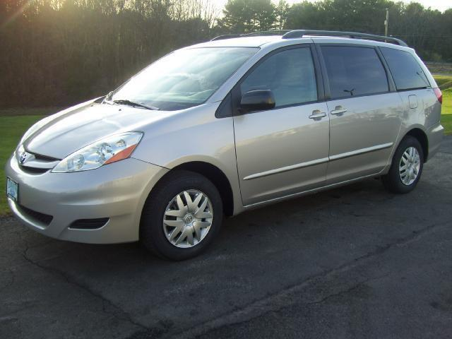 2006 toyota sienna le for sale in madison virginia classified. Black Bedroom Furniture Sets. Home Design Ideas