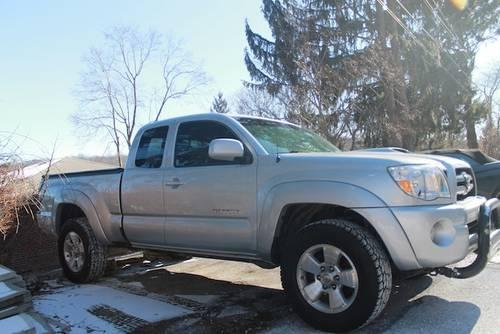 2006 Toyota Tacoma Sport 4x4 With Tonneau Cover Moving Sale For