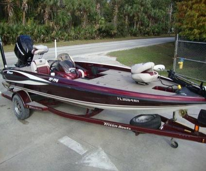 /2006 Triton Tr 196 Bass Fishing Boat