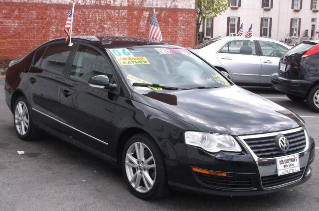 2006 Volkswagen Passat - Low Miles - Like new - Pa