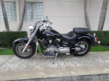 -------- 2006 Yamaha V Star 1100 -------