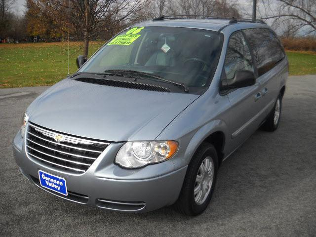 2006 chrysler town country touring for sale in avon new york. Cars Review. Best American Auto & Cars Review