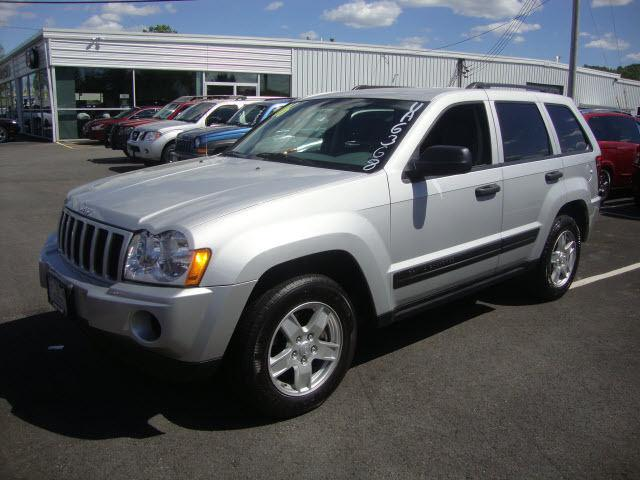 2006 jeep grand cherokee laredo for sale in new hampton new york classified. Black Bedroom Furniture Sets. Home Design Ideas