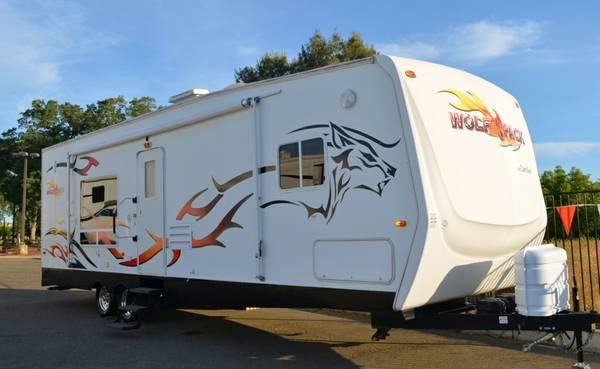 2007 Cherokee Wolf Pack 30wp Toy Hauler Front Queen