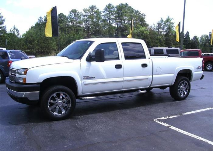 2007 chevrolet silverado 4x4 diesel crew cab white lancaster for sale in greenville south. Black Bedroom Furniture Sets. Home Design Ideas