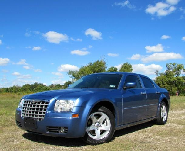 2007 chrysler 300 4dr sdn 300 touring rwd for sale in pasadena texas classified. Black Bedroom Furniture Sets. Home Design Ideas