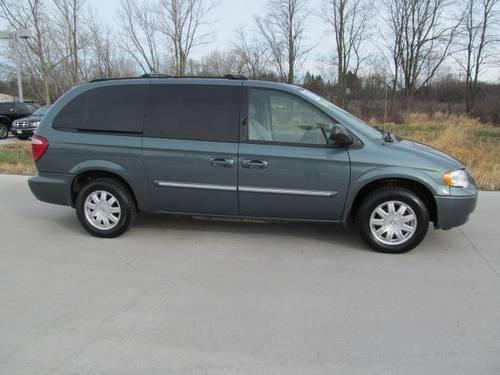 2007 chrysler town country lwb mini van passenger 4dr wgn for sale in barrington illinois. Black Bedroom Furniture Sets. Home Design Ideas