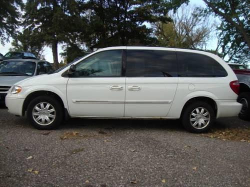 2007 chrysler town and country for sale in saint paul minnesota classified. Black Bedroom Furniture Sets. Home Design Ideas