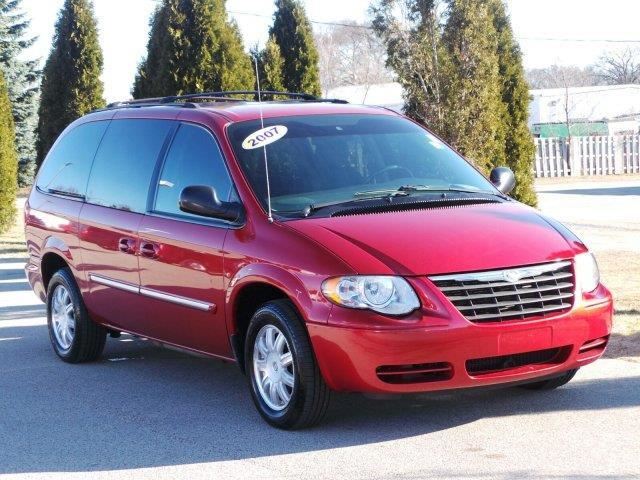 2007 chrysler town and country touring touring 4dr extended mini van for sale in meskegon. Black Bedroom Furniture Sets. Home Design Ideas
