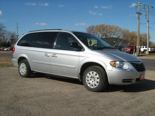2007 chrysler town country lx for sale in mountain lake minnesota classified. Black Bedroom Furniture Sets. Home Design Ideas