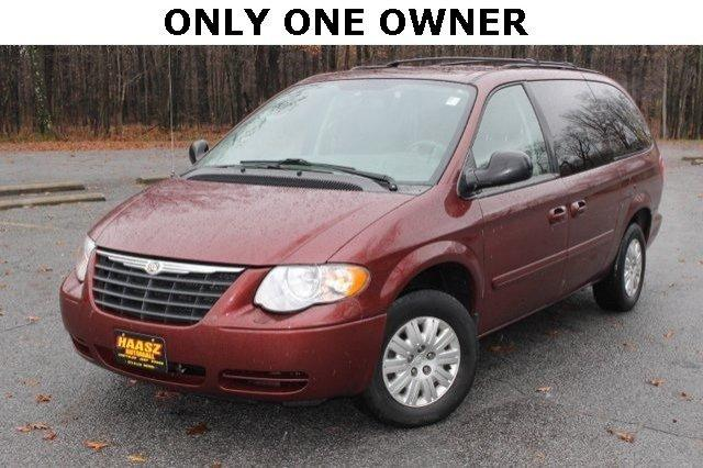 2007 chrysler town country lx ravenna oh for sale in black horse ohio classified. Black Bedroom Furniture Sets. Home Design Ideas