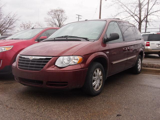 2007 Chrysler Town & Country Touring Rochester, MI