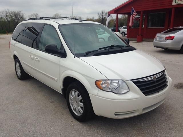 2007 chrysler town country touring springfield mo for for White motor company springfield mo
