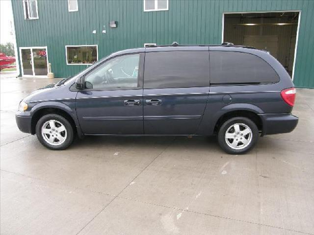 2007 dodge grand caravan sxt for sale in north sioux city. Black Bedroom Furniture Sets. Home Design Ideas