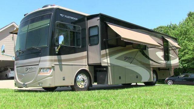 2007 fleetwood discovery 39v luxury class a diesel for Diesel motor homes for sale