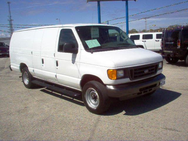 2007 ford e250 cargo van for sale in green bay wisconsin. Black Bedroom Furniture Sets. Home Design Ideas