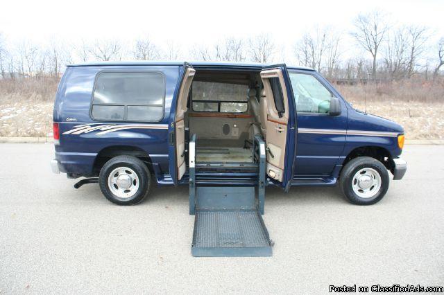 2007 Ford Econoline Handicap Van