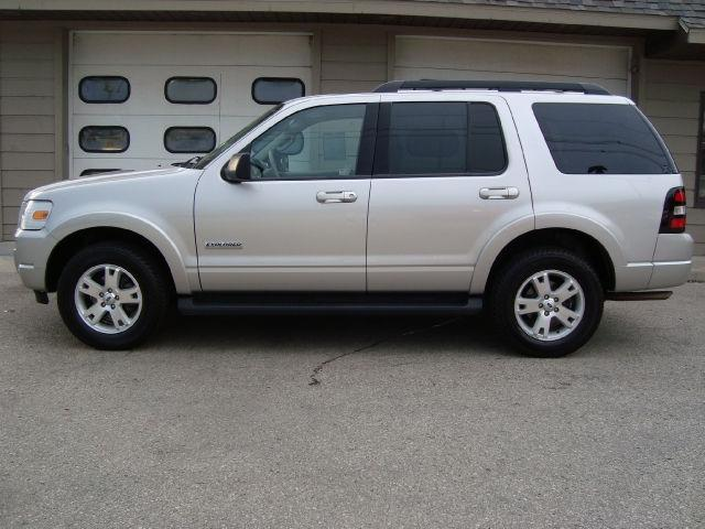 2007 ford explorer xlt for sale in sturgeon bay wisconsin classified. Black Bedroom Furniture Sets. Home Design Ideas