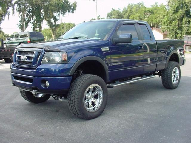 2007 Ford F150 FX4 Ext Cab Lifted New Tires