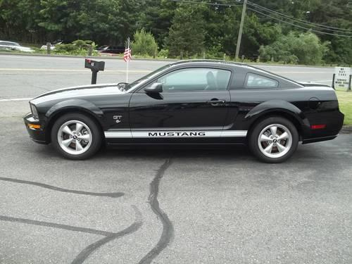 2007 ford mustang 2dr cpe gt deluxe manual 20 350 miles for sale in northfield connecticut. Black Bedroom Furniture Sets. Home Design Ideas