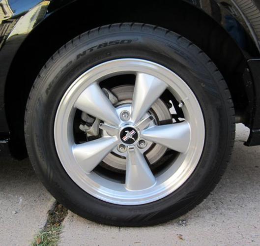 2007 Ford Mustang OEM BULLIT 17 inch RIMS  Tires