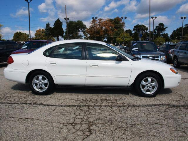 2007 ford taurus se for sale in saint charles missouri classified. Black Bedroom Furniture Sets. Home Design Ideas