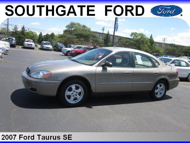 2007 ford taurus se for sale in southgate michigan classified. Black Bedroom Furniture Sets. Home Design Ideas