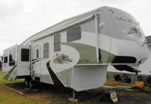 2007 Forest River Cedar Creek 34SATS 5th Wheel in