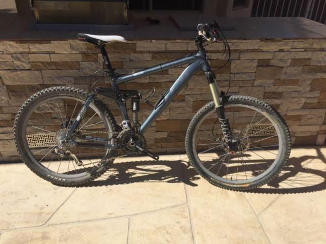 2007 Fuji Thrill LT 1.0 mountain bike